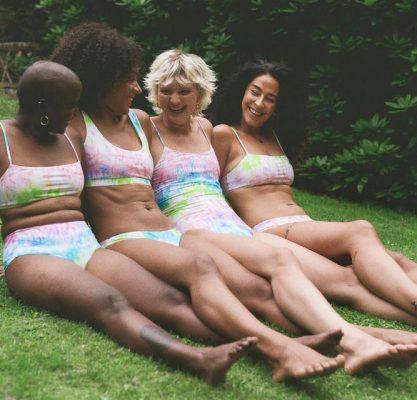 damer i bikini
